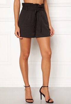 Make Way Disa paperbag shorts Black / White / Striped Bubbleroom.dk