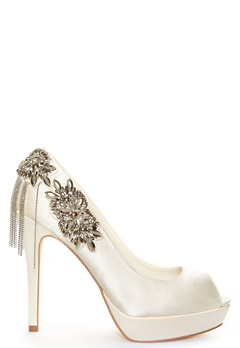 Menbur Drusila Shoe Ivory Bubbleroom.dk