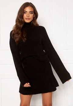 Moa Mattsson X Bubbleroom Knitted cropped sweater Black Bubbleroom.dk