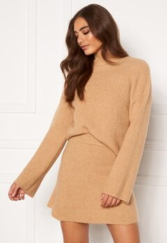 Moa Mattsson X Bubbleroom Knitted cropped sweater Camel Bubbleroom.dk
