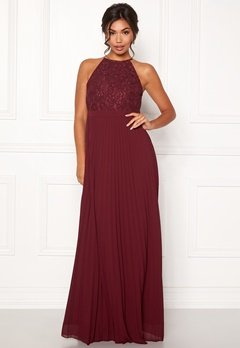 Moments New York Casia Pleated Gown  Bubbleroom.dk