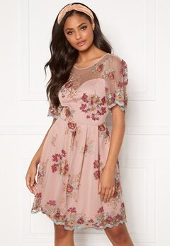 Moments New York Isolde Embroidered Dress Dusty pink Bubbleroom.dk