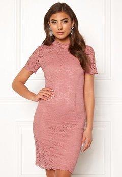 Moments New York Kassia Lace Dress Old rose Bubbleroom.dk