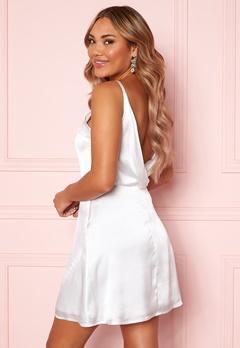 Moments New York Laylani Satin Dress White Bubbleroom.dk