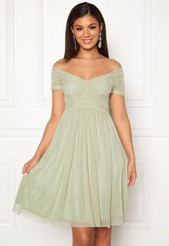 81349621ea5 Moments New York Lily Draped Dress Dusty green Bubbleroom.dk