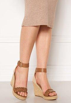 ONLY Amelia Wrap Eyelet Heeled Sandal Cognac Bubbleroom.dk