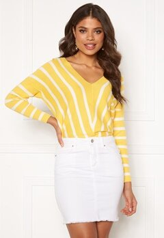ONLY Aya 7/8 V-Neck Pullover Lemon Drop Bubbleroom.dk