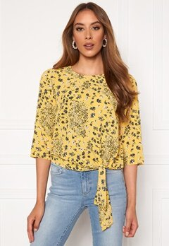 ONLY Nova Lux 3/4 Knot Top Misted Yellow Bubbleroom.dk