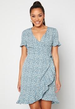 ONLY Olivia S/S Wrap Dress Dusk Blue / Flower Bubbleroom.dk