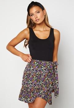 ONLY Olivia Wrap Skirt Black / Shore Flower Bubbleroom.dk