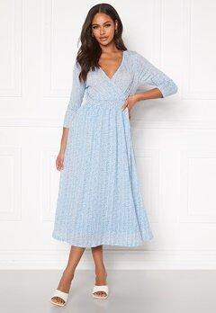 ONLY Pella 3/4 AOP Dress Cashmere Blue Bubbleroom.dk