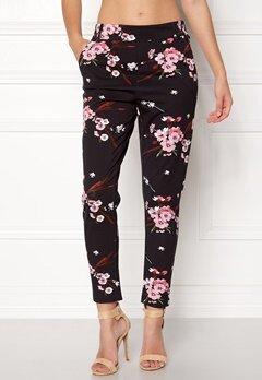 ONLY Poptrash Easy Print Pant Black/Flower Bubbleroom.dk
