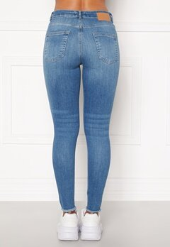 Pieces Delly Cropped Jeans Light blue denim Bubbleroom.dk