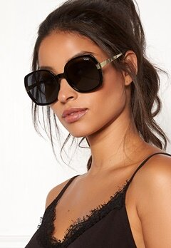 Quay Australia Gold Dust Sunglasses Black/Smoke Bubbleroom.dk