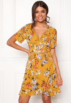 Rut & Circle Eleonor Wrap Dress Yellow Flower Bubbleroom.dk