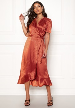 John Zack Short Sleeve Wrap Dress Rust Jacquard Bubbleroom.dk