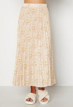 Sisters Point Nitro Skirt 116 Cream/Flower Bubbleroom.dk