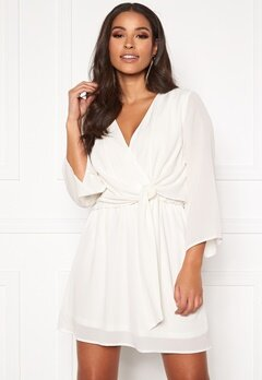 AX Paris Tie Waist Deep V Dress White Bubbleroom.dk