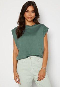Trendyol Clara T-shirt Green bubbleroom.dk