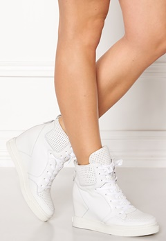 UMA PARKER Boston Shoes White Bubbleroom.dk