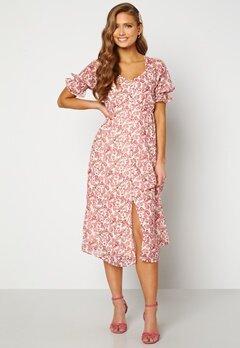 VERO MODA Anneline 2/4 V-Neck Dress Birch AOP: New Annel Bubbleroom.dk