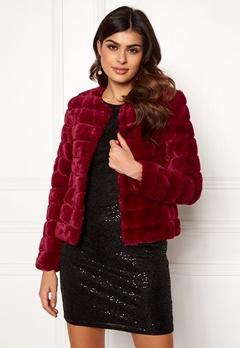 VERO MODA Avenue Faux Fur Short Rumba Red Bubbleroom.dk