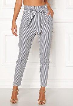 VERO MODA Eva Loose Paperbag Pants Snow White/stripes Bubbleroom.dk