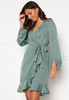 VERO MODA Henna L/S Wrap Dress Laurel Wreath, Dot Bubbleroom.dk