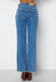 VERO MODA Kithy HR Loose Straight Jeans Medium Blue Denim bubbleroom.dk