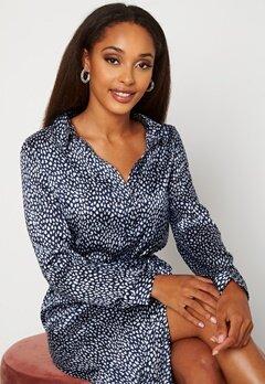 VERO MODA Leona Calf Shirt Dress Navy Blazer Bubbleroom.dk