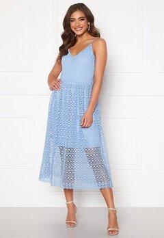 VERO MODA Madeleine Calf Lace Dress Placid Blue Bubbleroom.dk
