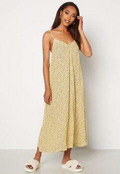VERO MODA Nora New Singlet Calf Dress French Vanilla AOP N Bubbleroom.dk