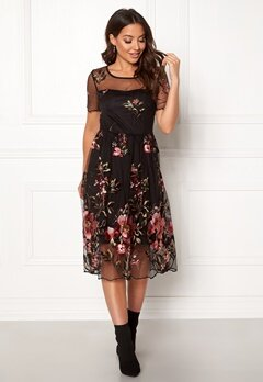 VILA Perno S/S Embroidery Dres Black Bubbleroom.dk