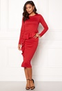 Line frill dress