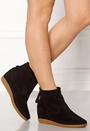 Emmy Shoe