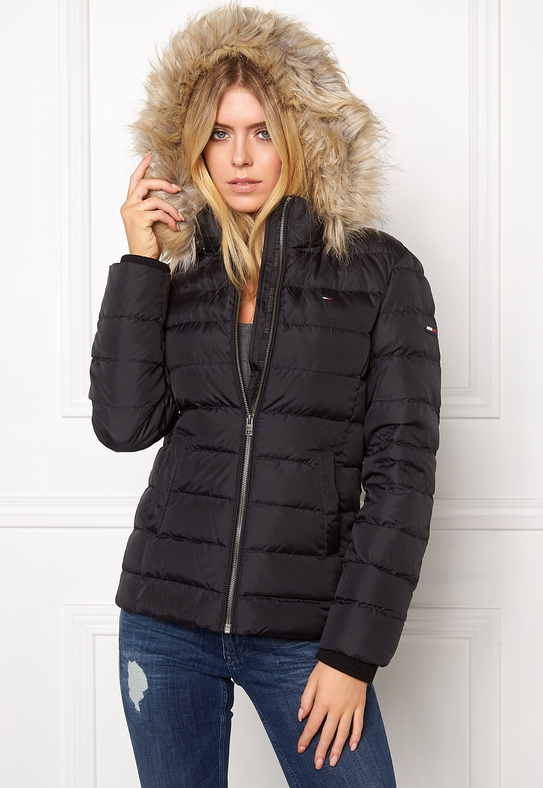 3aae9facdf4 TOMMY JEANS Basic Down Jacket 078 Tommy Black - Bubbleroom