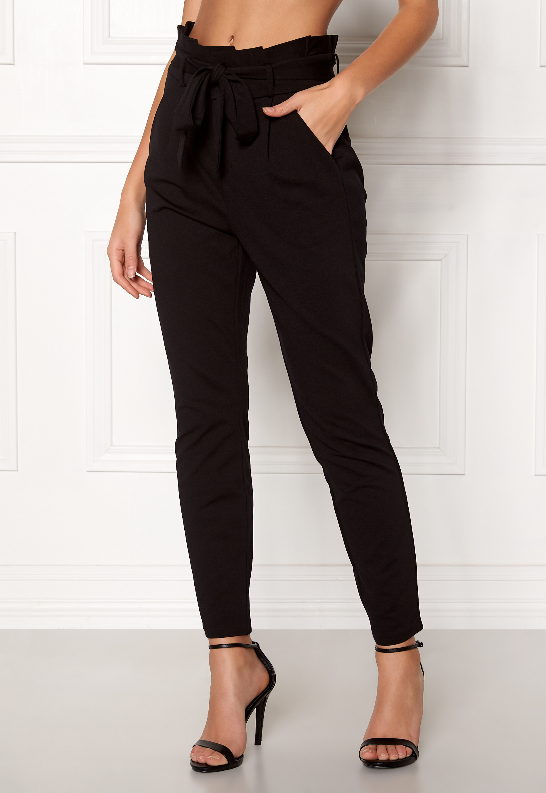 d4f1ee4d70a VERO MODA Eva Loose Paperbag Pants Black - Bubbleroom