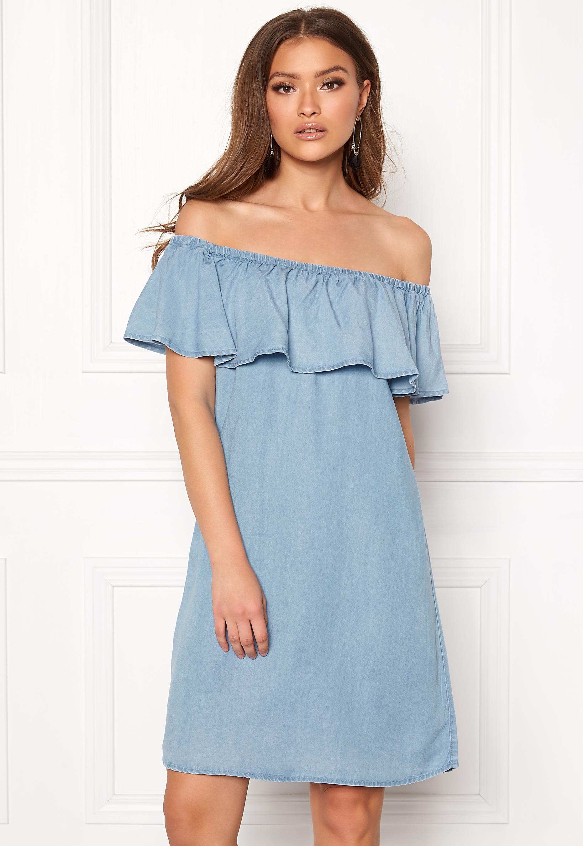 de9e227f VILA Gia Off Shoulder Dress Light Blue Denim - Bubbleroom